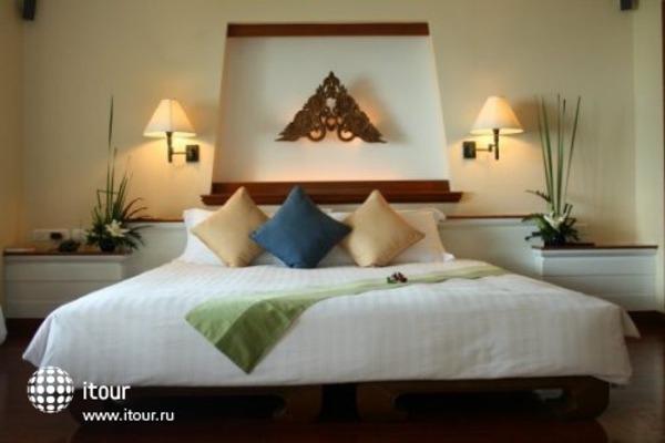 Santiburi Golf Resort & Spa 9
