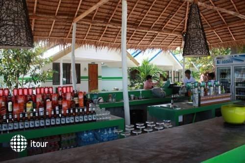 Lime N Soda Beachfront Resort 9