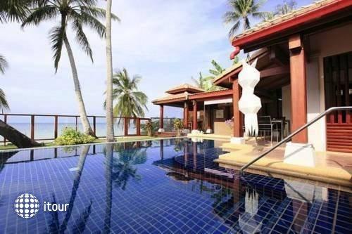 Pao Jin Poon Beach Front Villa 9