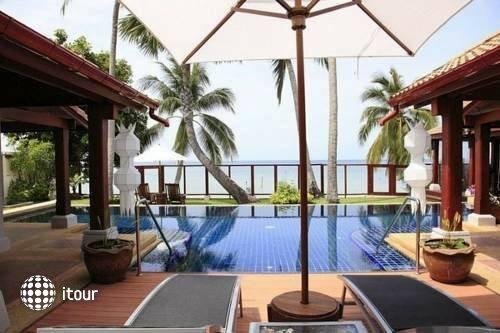 Pao Jin Poon Beach Front Villa 10