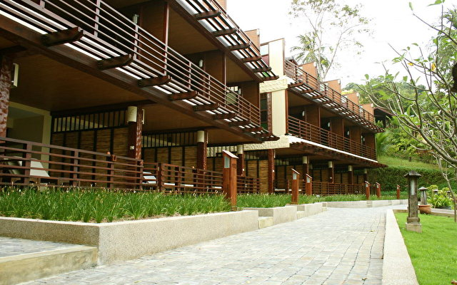 Tongsai Bay Cottages And Hotel 4