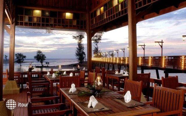 The Hotspring Beach Resort & Spa 5