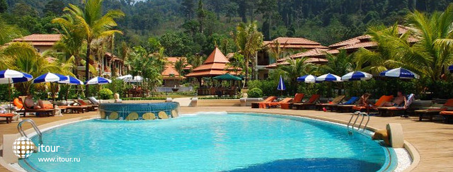 Khao Lak Bay Front Resort 2
