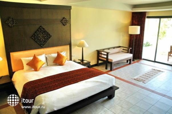 Royal Bangsak Beach Resort 3