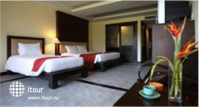 Royal Bangsak Beach Resort 4