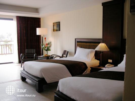 Royal Bangsak Beach Resort 6