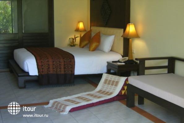 Royal Bangsak Beach Resort 8