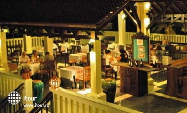 Royal Bangsak Beach Resort 10