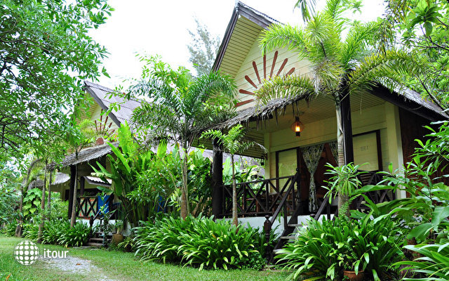Khao Lak Green Beach Resort 10