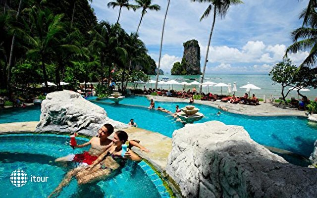 Centara Grand Beach Resort & Villas Krabi 5