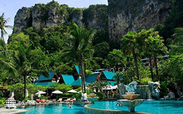 Centara Grand Beach Resort & Villas Krabi 4