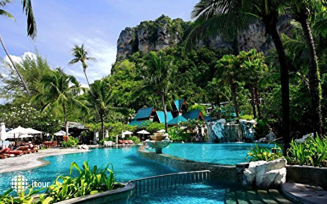 Centara Grand Beach Resort & Villas Krabi 3