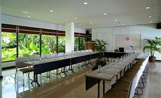 Aonang Villa Resort 8