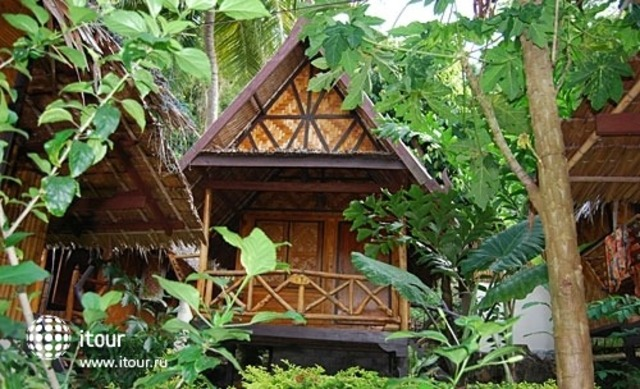 Phi Phi Relax Resort 9