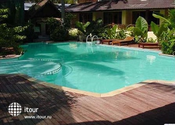 Phi Phi Banyan Villa 2