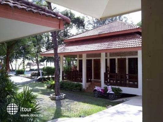 Chaya Resort 6