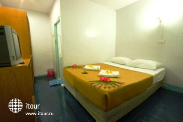 Phi Phi Don Chukit Resort 7