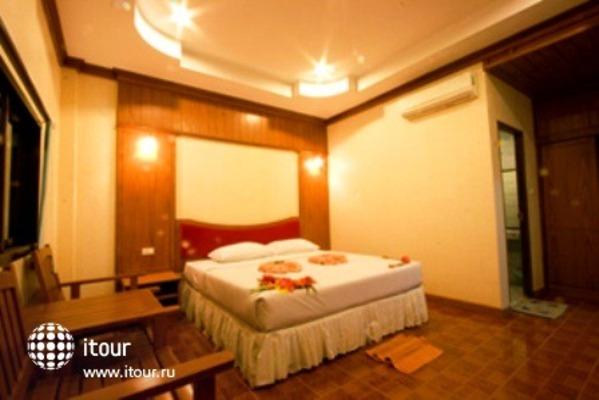 Phi Phi Don Chukit Resort 3