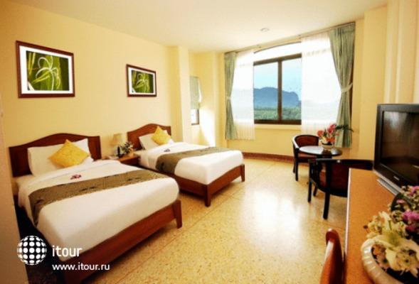 Sripet Hotel 3