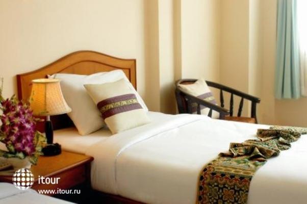 Sripet Hotel 1