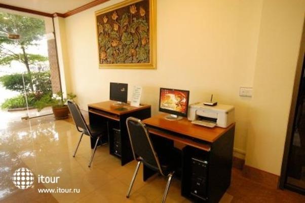 Sripet Hotel 5