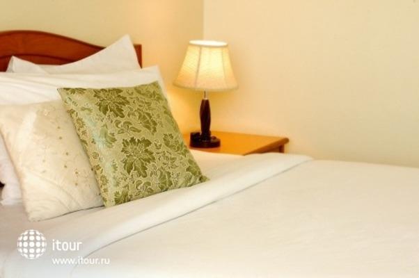 Sripet Hotel 6