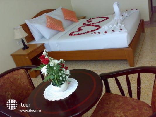 Sripet Hotel 9