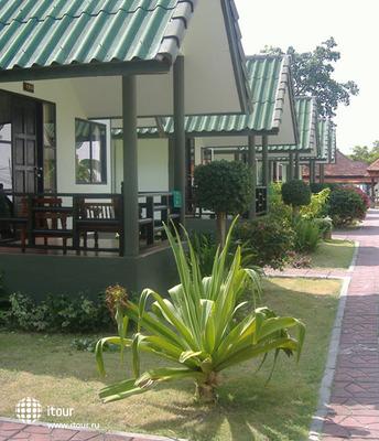 Andaman Beach Resort Phi Phi 4