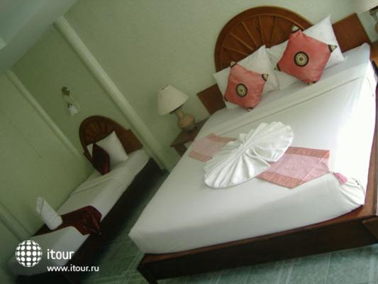 Andaman Beach Resort Phi Phi 5