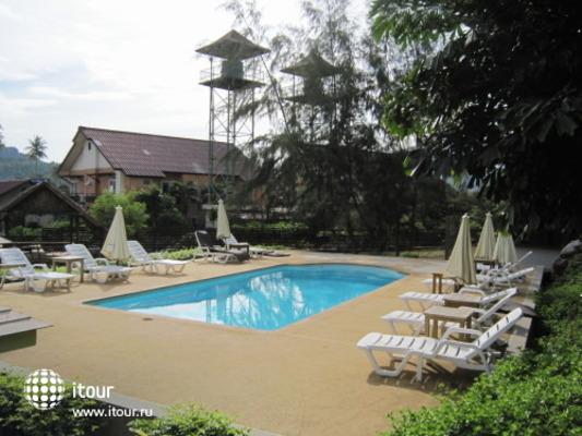 Phitharom Phi Phi Resort 9