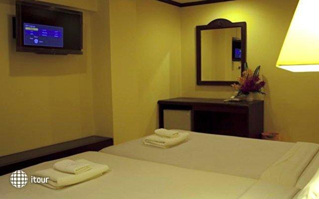 Krabi City Seaview Hotel 9
