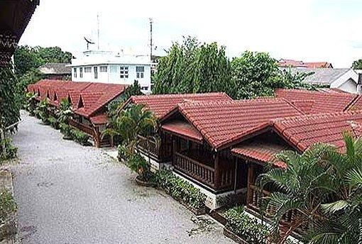 Ban Khun Yom Hotel 1