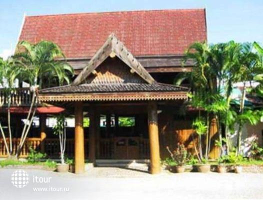 Ban Khun Yom Hotel 4