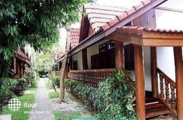 Ban Khun Yom Hotel 5