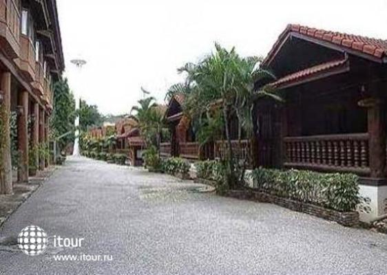 Ban Khun Yom Hotel 7