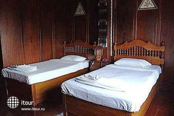 Ban Khun Yom Hotel 3
