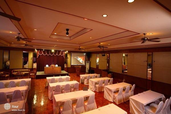 Palm Garden Hotel 4