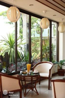 Palm Garden Hotel 7