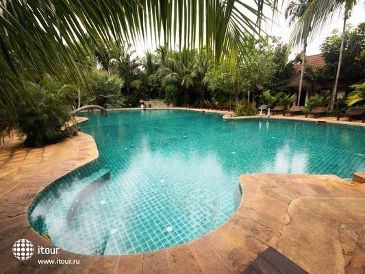 Laluna Hotel & Resort 2