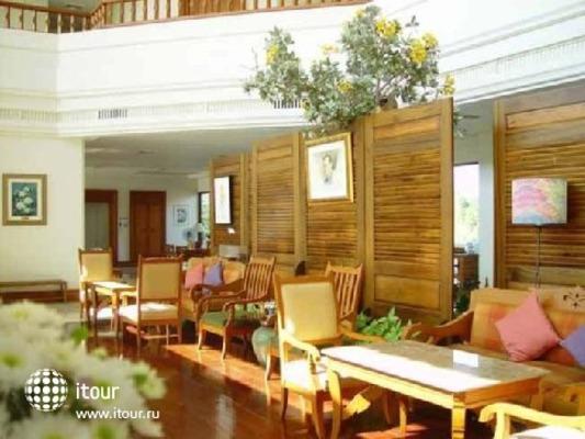 River House Resort & Spa 10