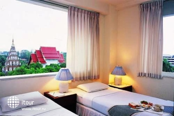 International Hotel 3