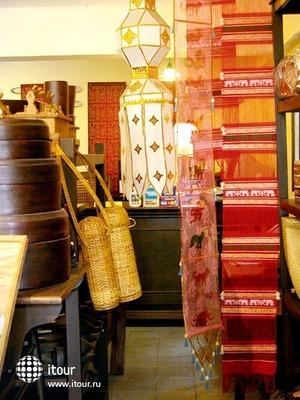 Tri Yaan Na Ros Colonial House 8