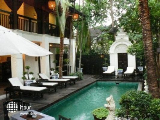 Tri Yaan Na Ros Colonial House 9