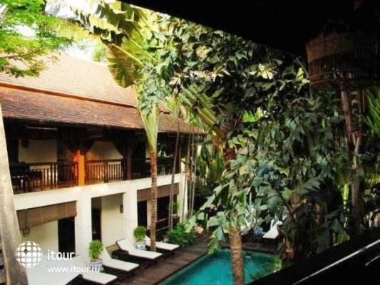 Tri Yaan Na Ros Colonial House 10