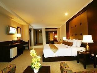 Suriwongse Hotel 5