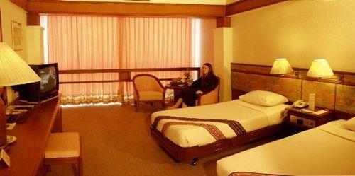 Suriwongse Hotel 10