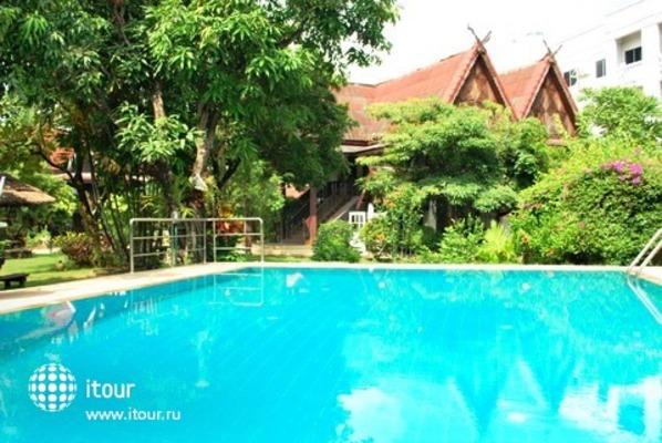 Baan Thai Resort & Spa 2