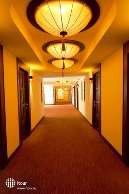 Maninarakorn Hotel 4