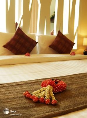 Maninarakorn Hotel 5