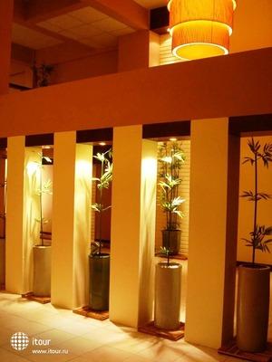 Maninarakorn Hotel 9